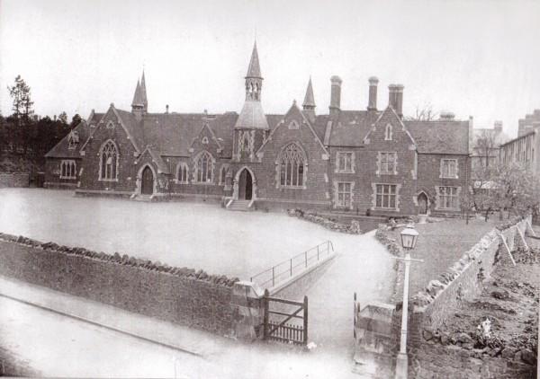 Mill Lane School, now Malvern Parish School